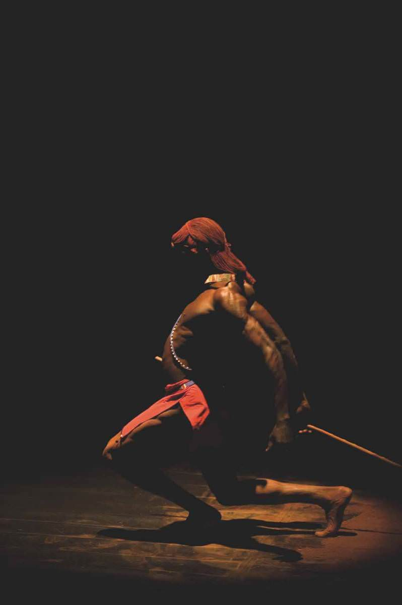 anuanga-fernando-performance-02